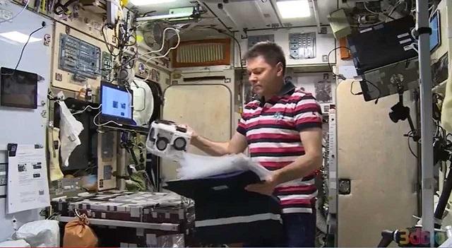 宇航员首次在国际空间站上3D打印