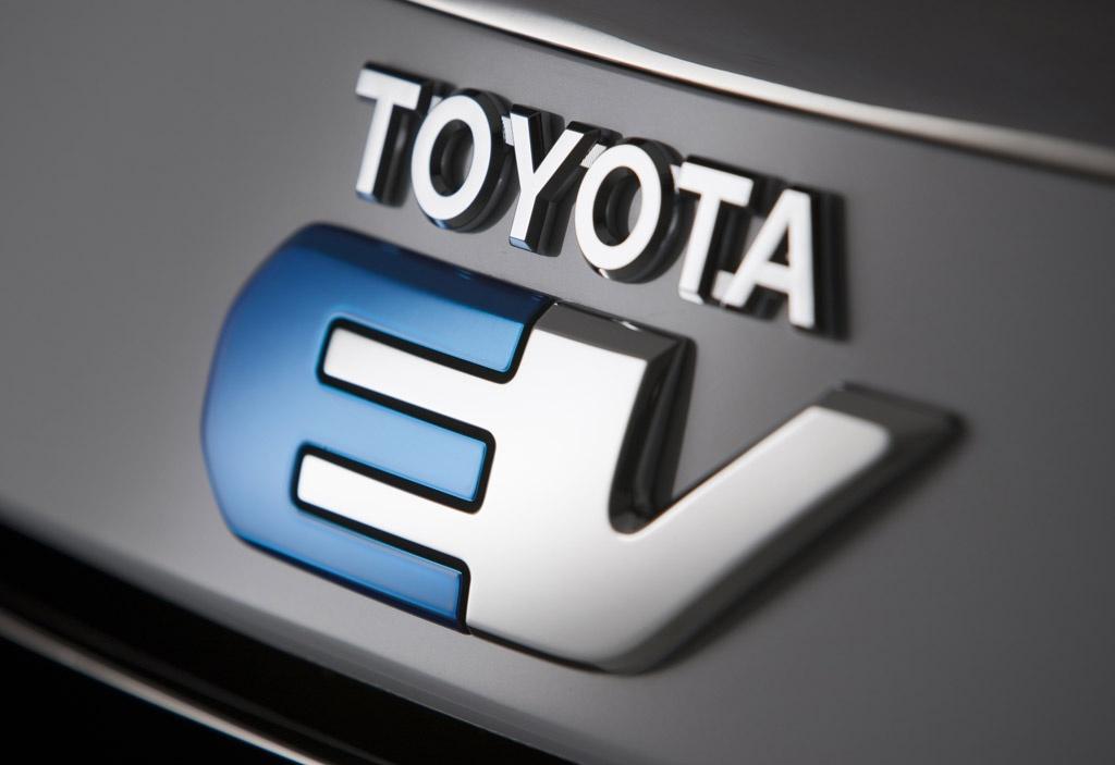 丰田固态电池计划2025年量产,但面临多重挑战