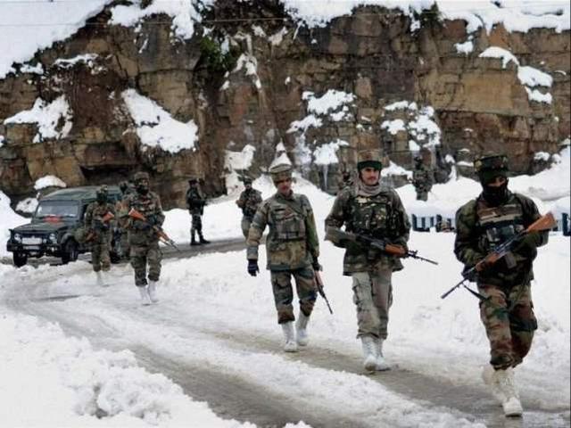 印度向边境增兵三万,分析家警告:增兵一时爽,冬天怎么熬?