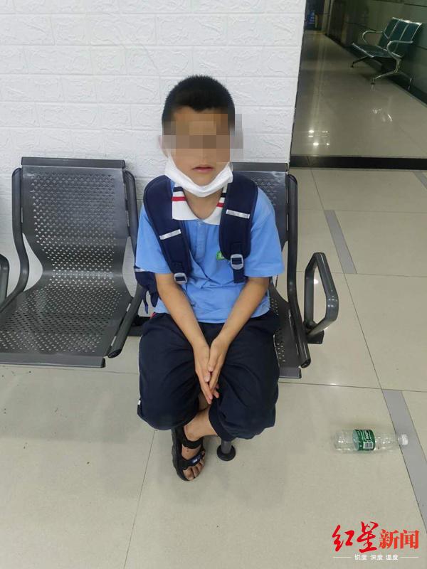 11岁男孩失踪之谜:怀欢独自从成都带回了8元人民币到广州