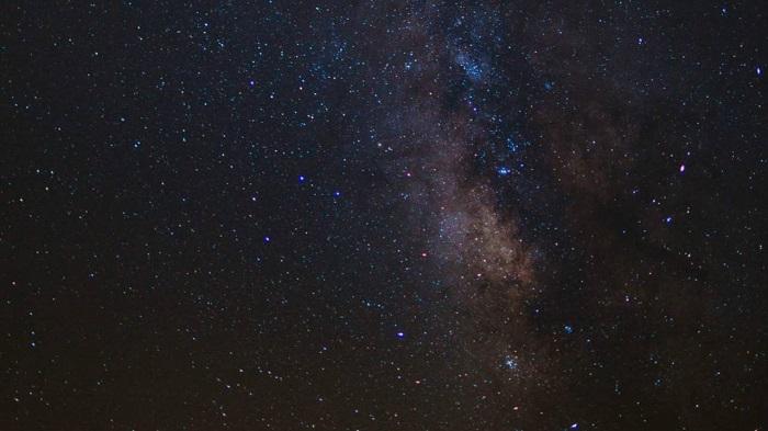 科学家计算出宇宙的新年龄 年轻