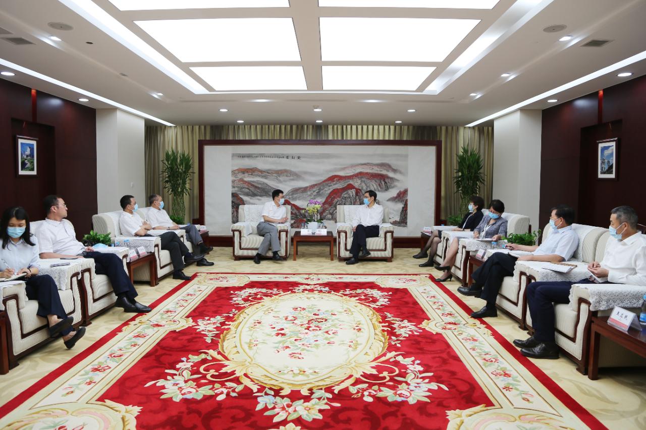 中国建材集团与中铁物资集团洽谈合作事宜