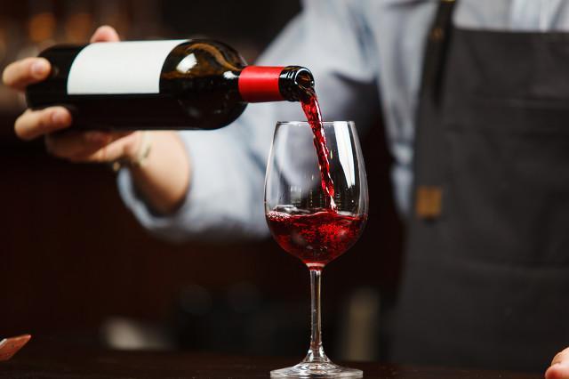 两家葡萄酒上市公司高层变动 上交所加强违规监管
