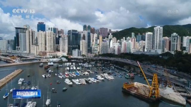 """英国媒体人:香港国安法符合""""一国两制""""图片"""