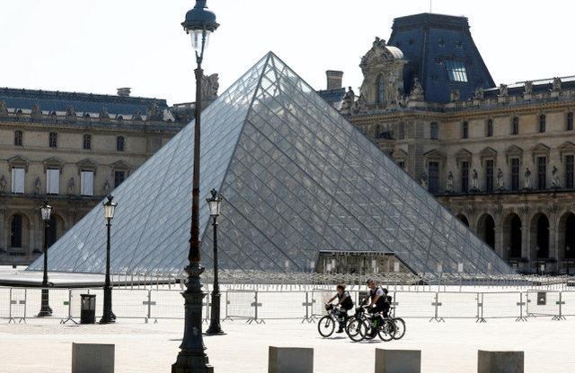 法国卢浮宫重新开放 疫情期间损失超4000万欧元