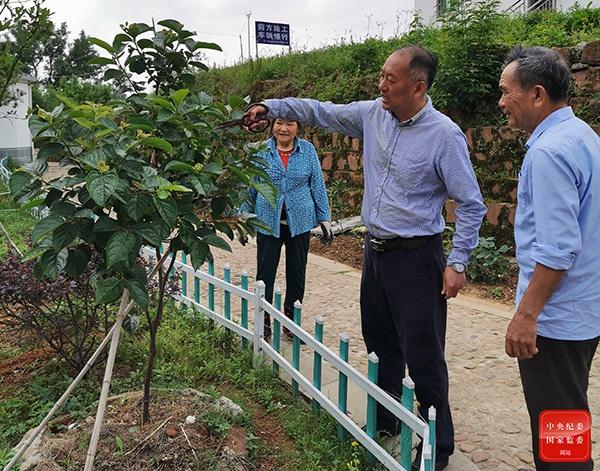 江西:纪委监委驻村工作队接力帮扶图片