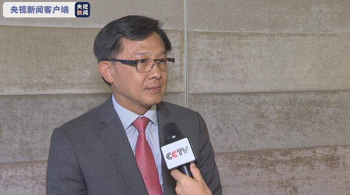 △国际公益法律办事协会主席何君尧