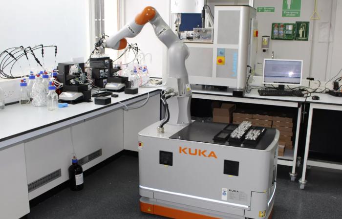 机器人实验室助手问世 进行研究的速度比人类快1000倍