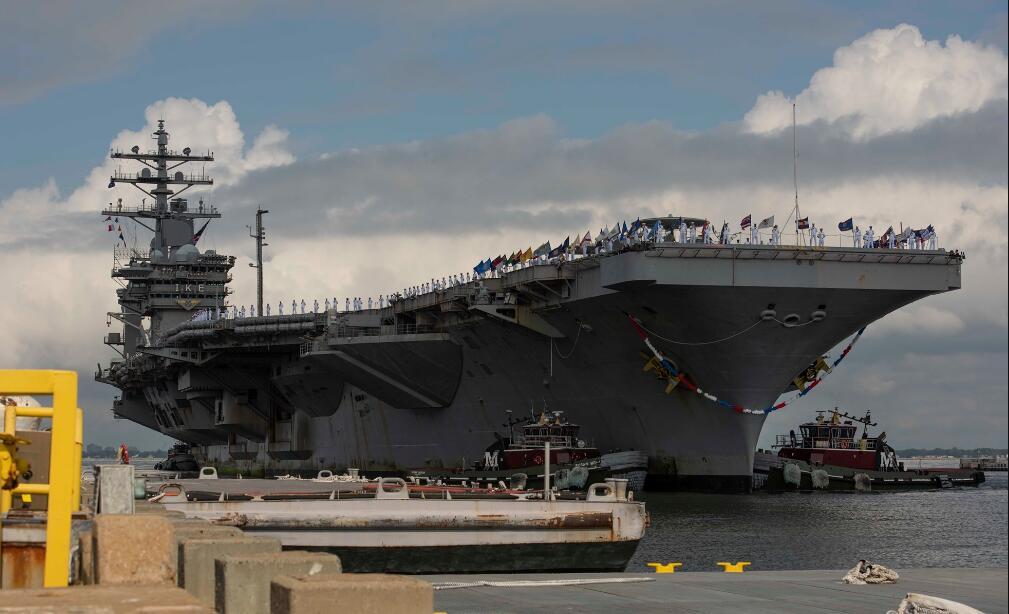 美军航母创下206天连续航行纪录因新冠疫情不敢靠港