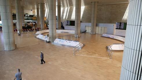 △空旷的以色列本古里安机场候机大厅(图片来源于网络)