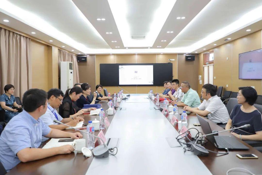 20200001号启程!上海大学第一封本科录取通知书今日送达!