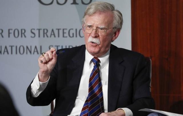 博尔顿称特朗普信任普京胜过美情报部门,特朗普大骂:他是蠢人