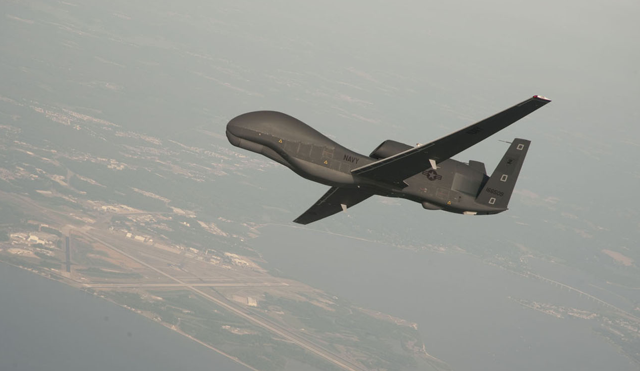 """美国""""全球鹰""""无人机抵近俄边界俄军派3架米格31战机拦截"""