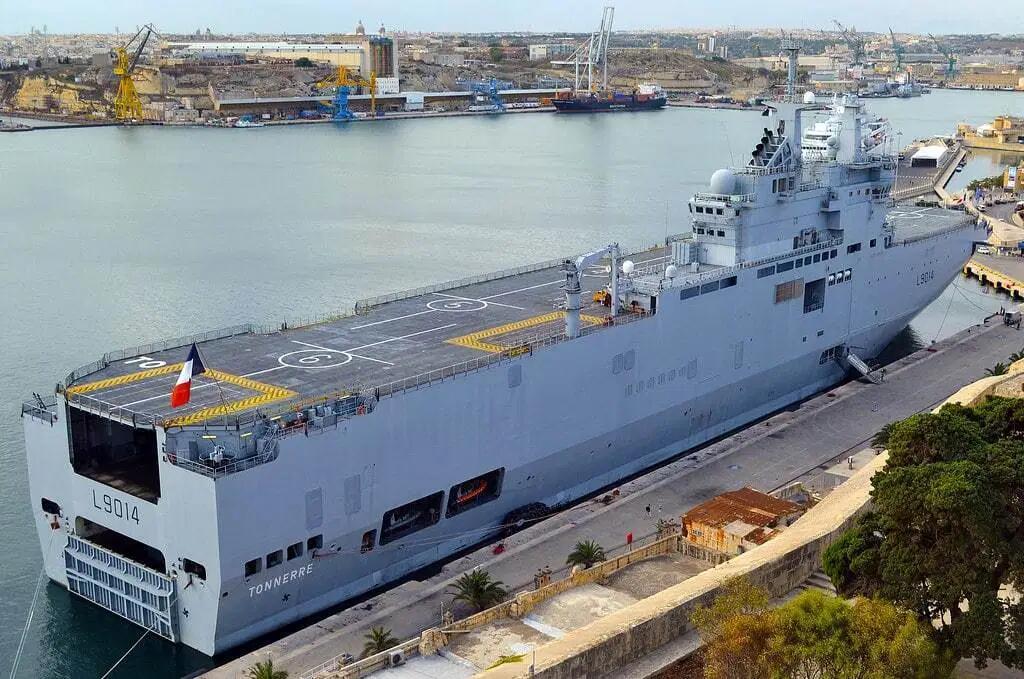 黎巴嫩贝鲁特港大爆炸后法国派来准航母提供援助