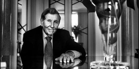 美传媒大亨雷石东去世 曾掌管维亚康姆集团、派拉蒙和CBS多年
