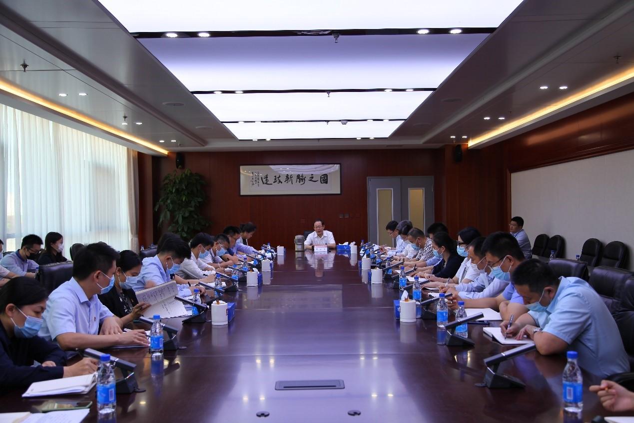 周渝波参加党支部活动并与有关部室同志座谈交流