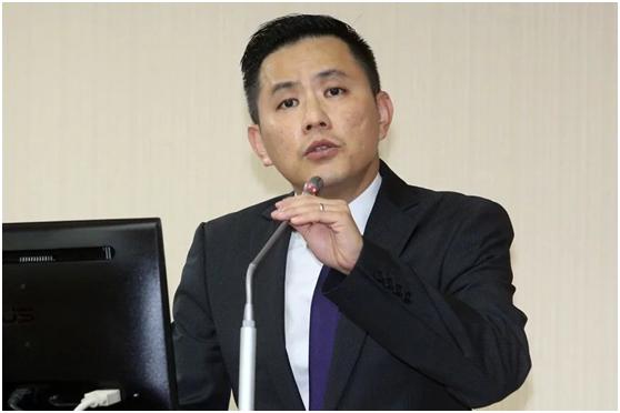 """国民党""""立委""""警告蔡英文:两岸要打起来台湾会输光光!"""