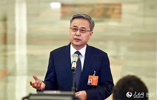 郭树清:保险业激进的投资理财型业务得到遏制