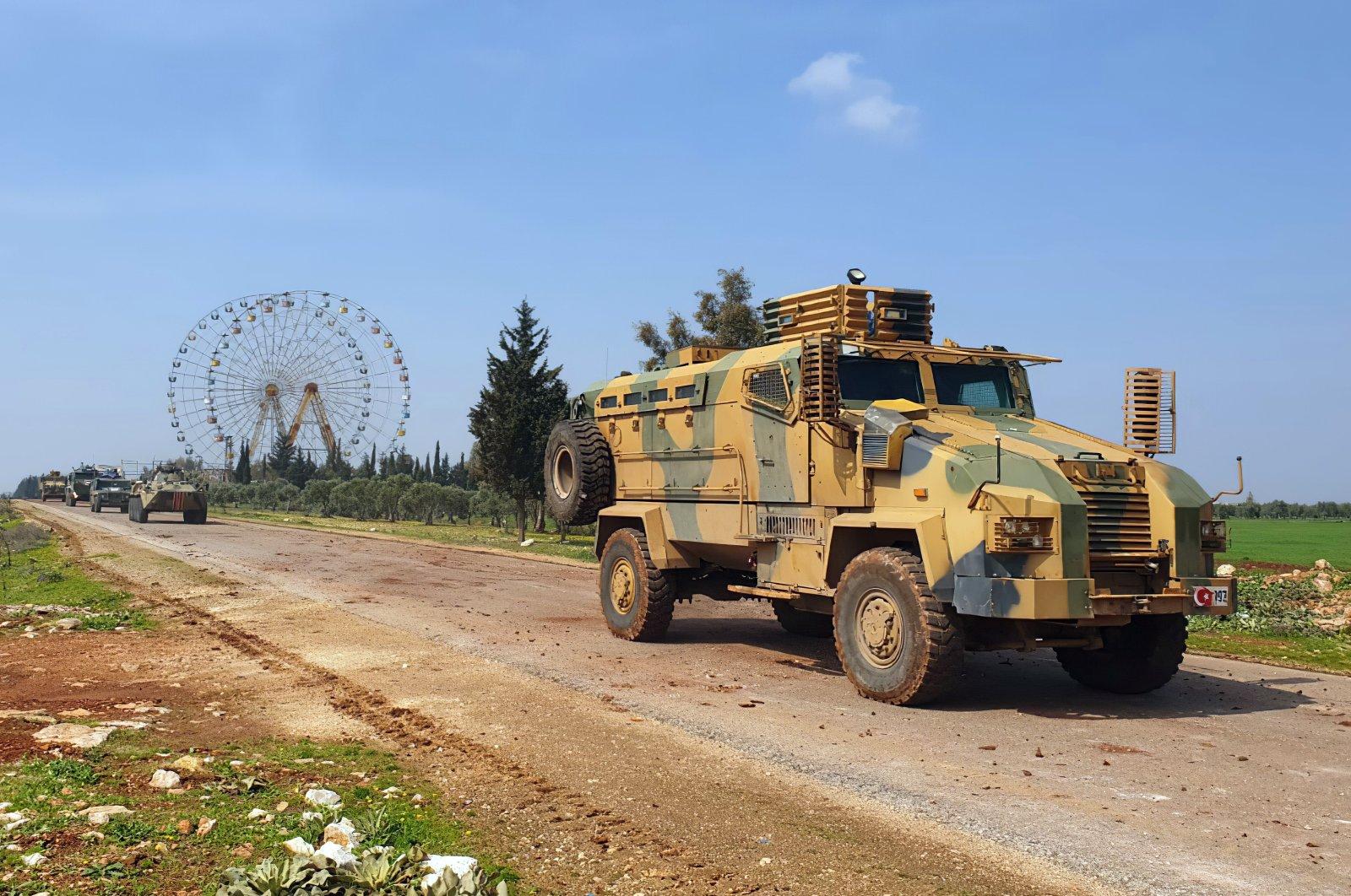 土耳其国防部:土俄联合巡逻车队在叙利亚遭袭