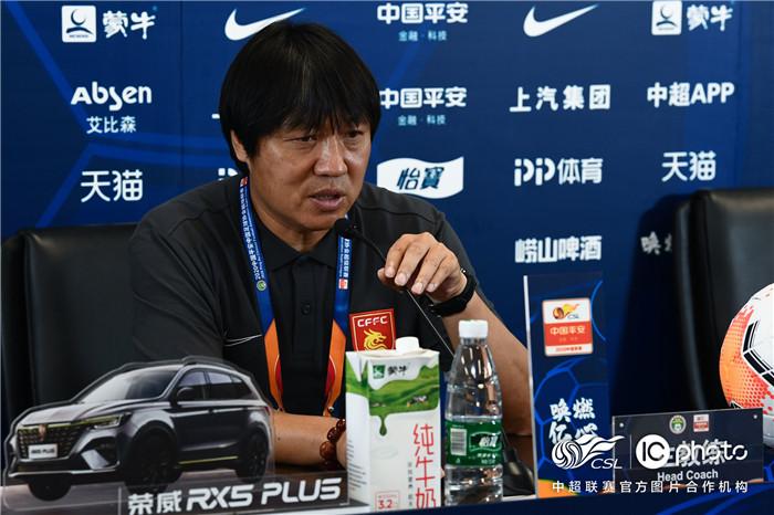 赛后声音 | 谢峰:我们打得更像一个团体 施蒂利克:比赛中有三点做的很好