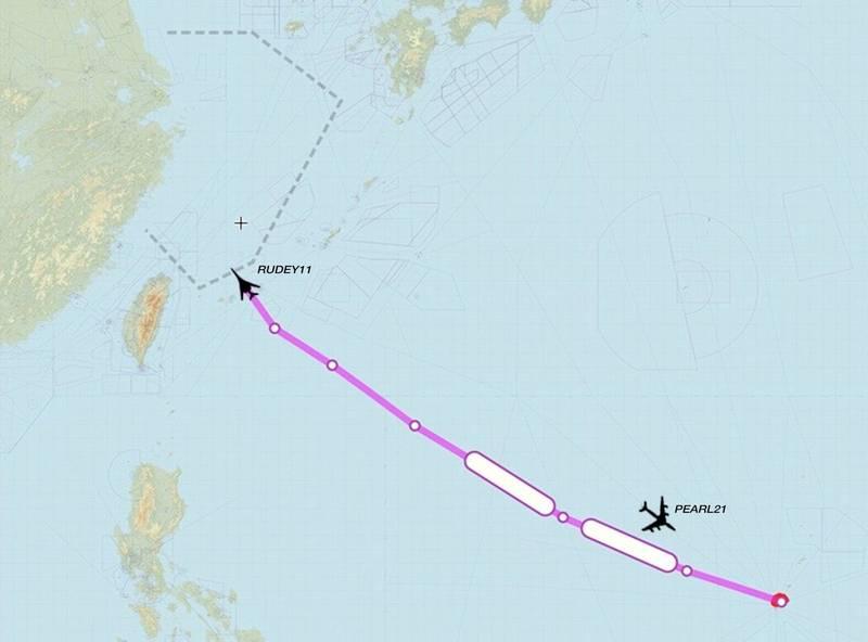 """社交媒体账号""""Golf9""""发布的8月16日美军B-1B战略轰炸机和KC-135加油机飞行路线图"""