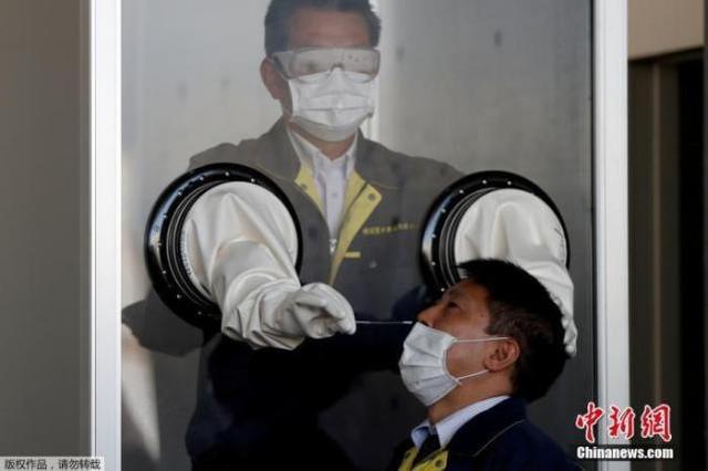 日本冲绳县医护人员短缺 厚劳相:将派护士支援抗疫