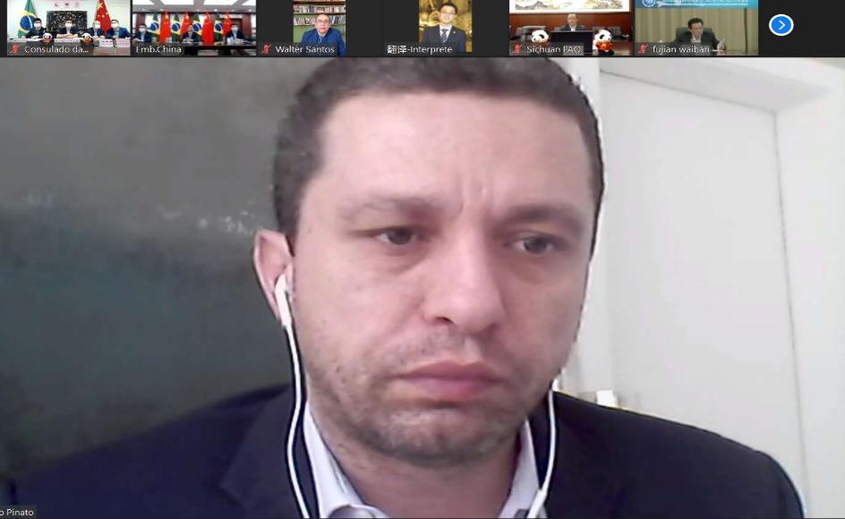 △巴西国会中巴议员阵线主席福斯托·皮纳托