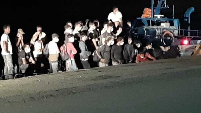 意大利接收并隔离115名非法移民