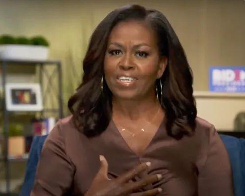 """8月17日,美国前""""第一夫人""""米歇尔·奥巴马在线出席美国民主党全国代表大会(视频截图)。新华社发"""