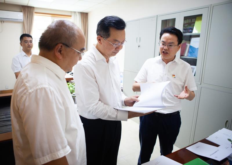 李刚到科技厅调研时强调要大力实施创新驱动发展战略 支撑经济社会高质量发展