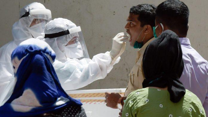 印度累计新冠肺炎确诊病例2975701例