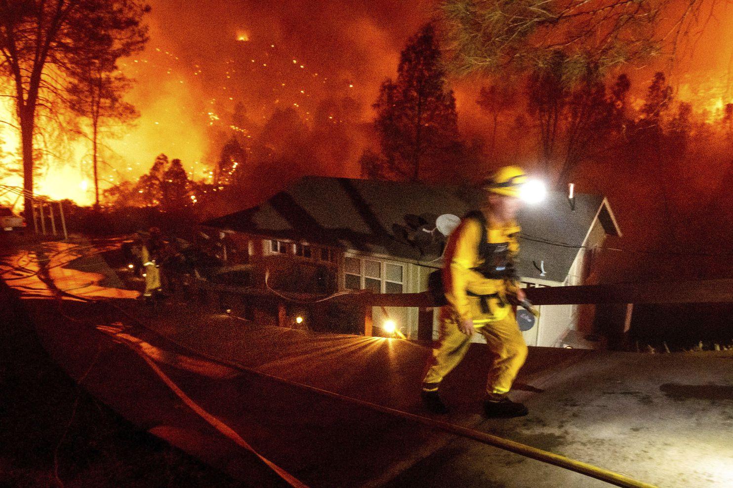 排名美国加州历史前五的两场山火已致6人死亡