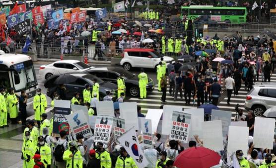 韩国教会又惹祸!首都圈暴发疫情已蔓延全国