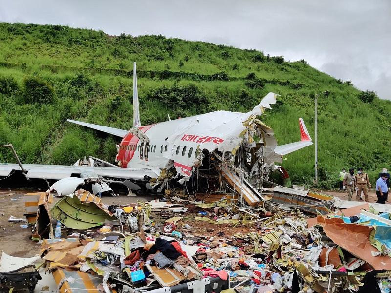 印度卡利卡特机场飞机失事  死亡人数升至21人