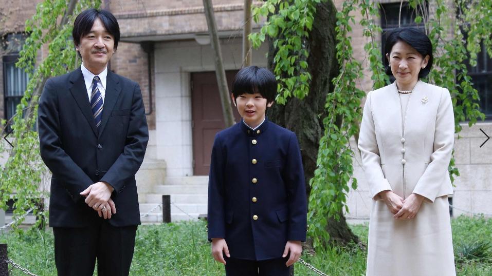 悠仁和他的父母(时事通信社)