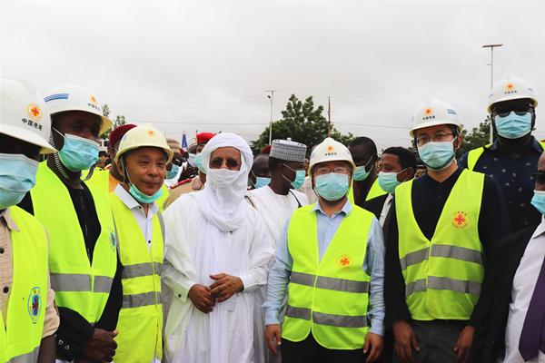尼日尔总理布里吉•拉菲尼视察公司尼日尔第三大桥项目