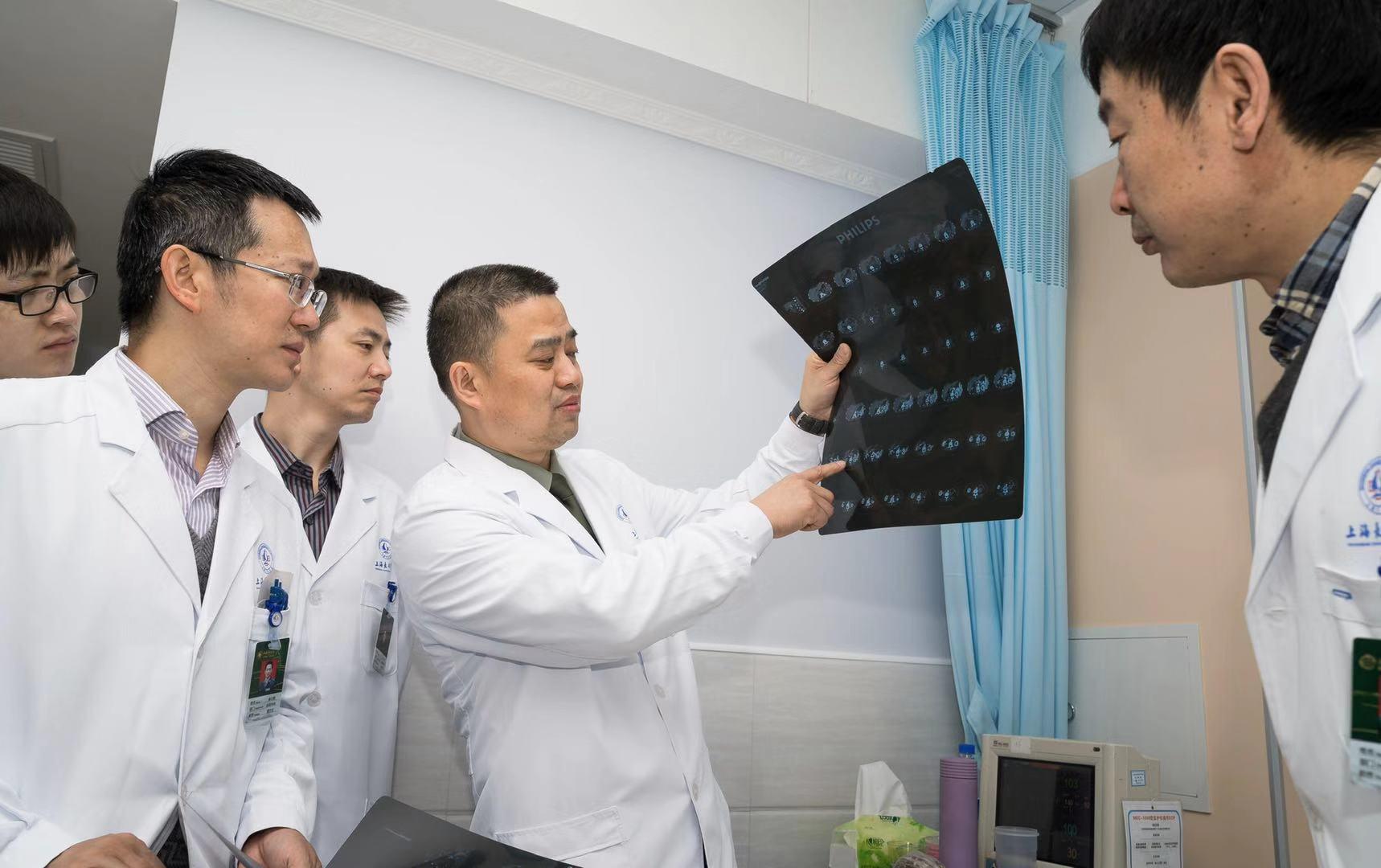 仅剩的一个残肾长出多个肿瘤,上海长征医院为这位肾癌患者保住了肾