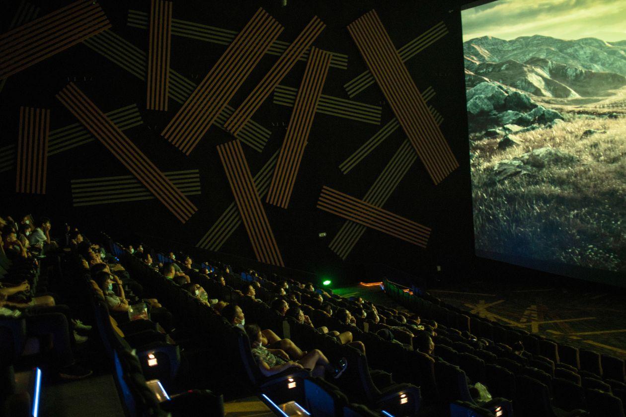 △广州一家重新开放的电影院(图片来源:《华尔街日报》)