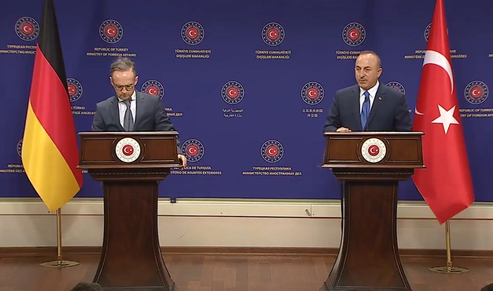 △左为德国外长马斯 右为土耳其外长恰武什奥卢
