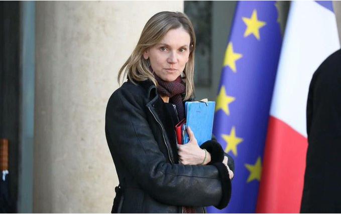 法国工业部长接触患者后自我隔离:都别进我办公室