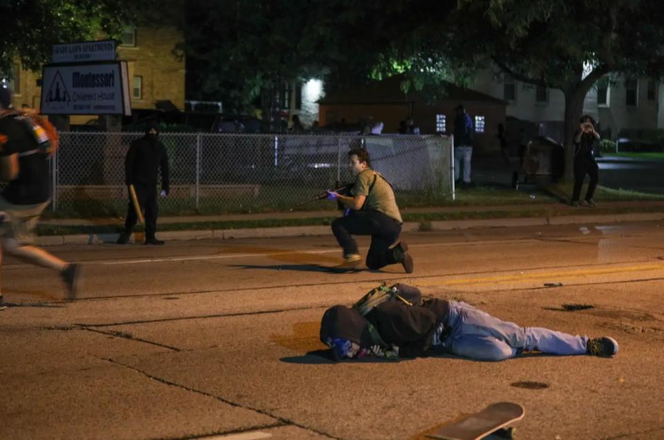 美国17岁青年射杀抗议者 福克斯主播语出惊人