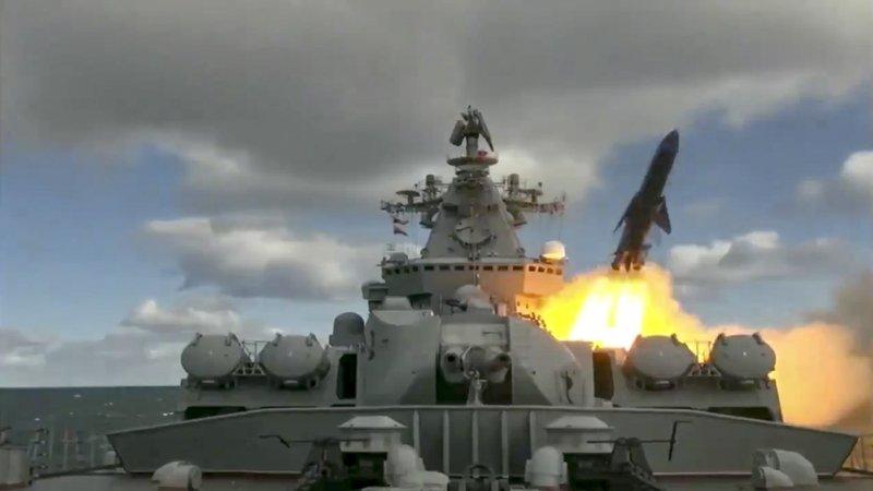 俄海军在美近海军演:发射反舰导弹 驱离美国渔民