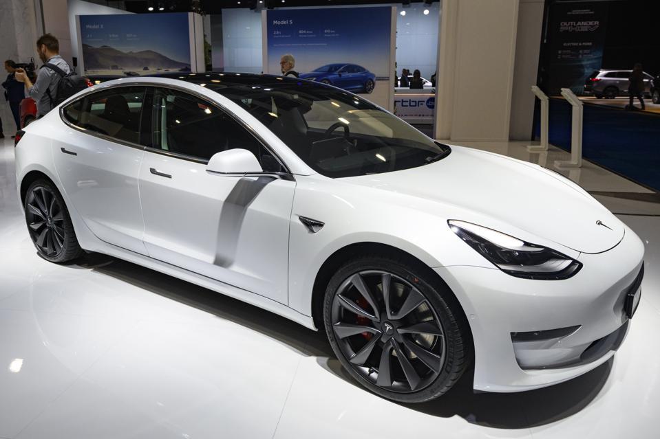 欧洲电动汽车卖得好 但欧洲人不爱特斯拉