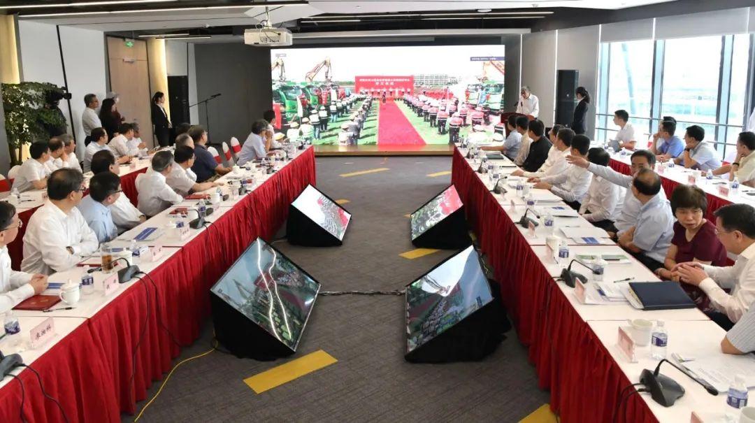 近20位院士建言!依托同济大学建设的上海自主智能无人系统科学中心专家咨询会暨学术委员会会议举行