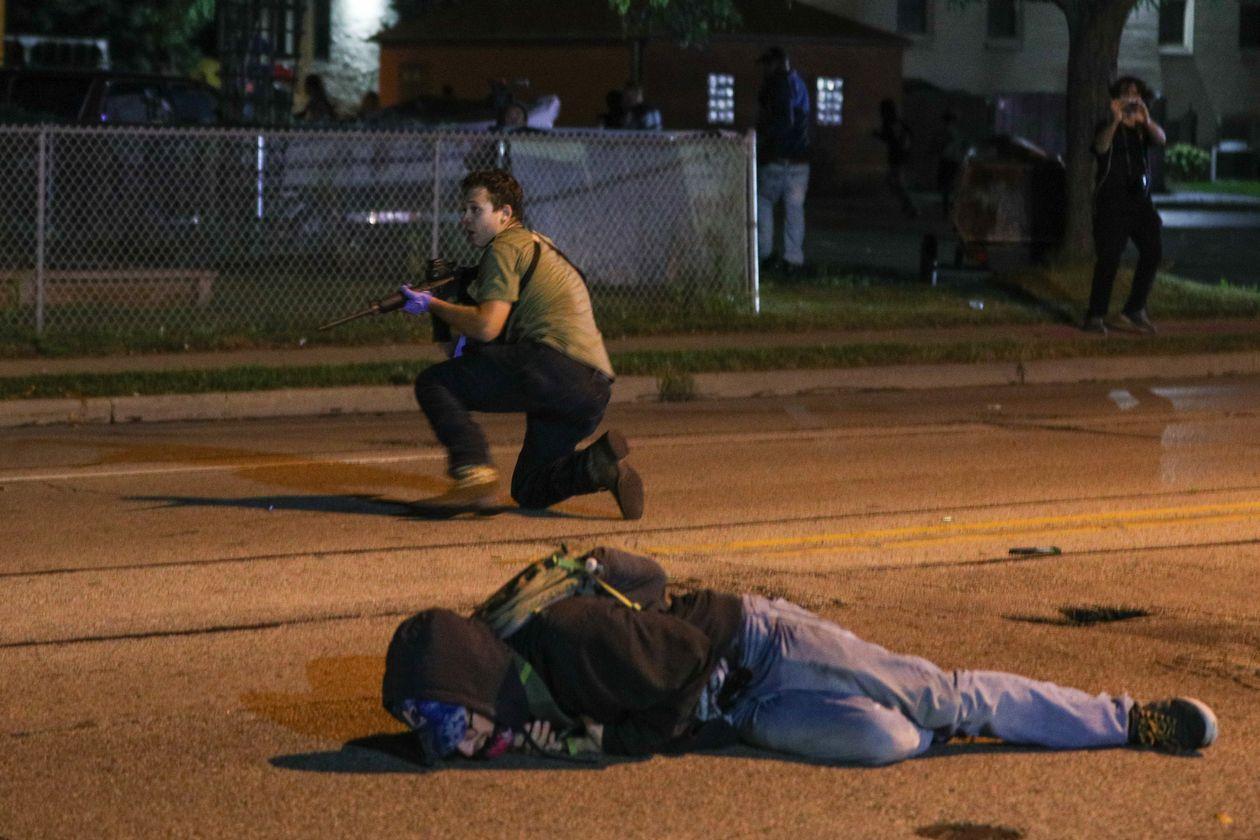法官推迟引渡美国威斯康星州枪击案中的少年嫌犯