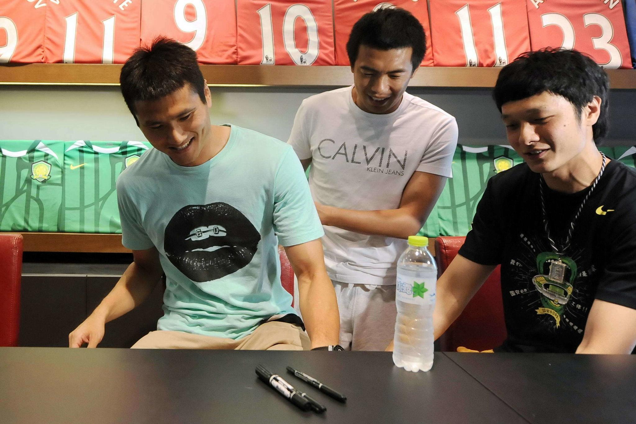 邵佳一:国安多次挽留过杨智,他退役是全国球迷的损失