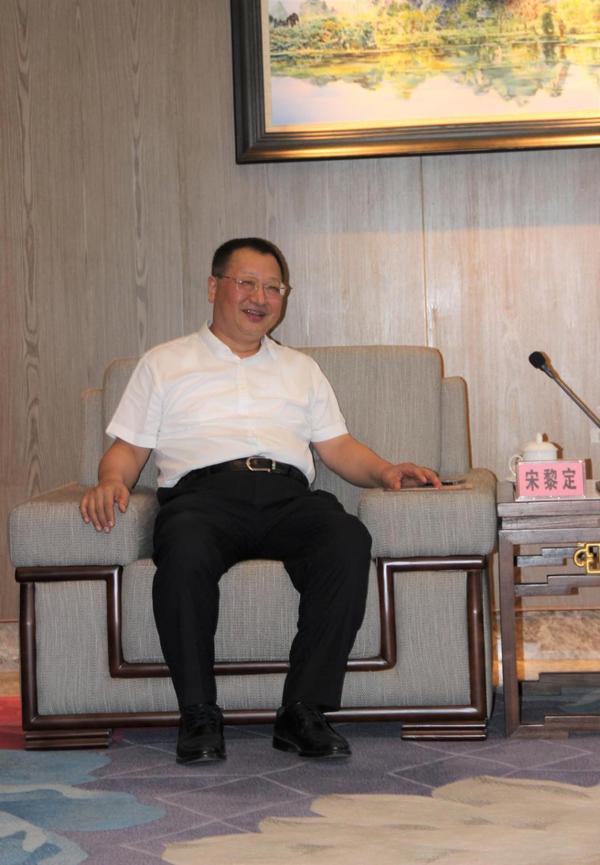 中国长城董事长会晤桂林市长
