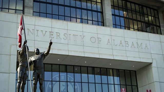 复课近半个月 美国阿拉巴马大学超千名学生感染新冠