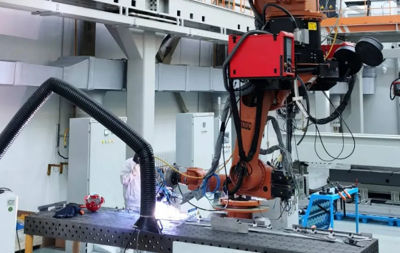 国内首套大功率龙门式激光电弧复合焊接系统正式投产