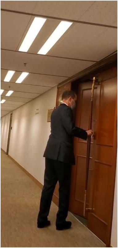 港媒曝光:敏感时刻,美国驻港澳总领事密会乱港头目